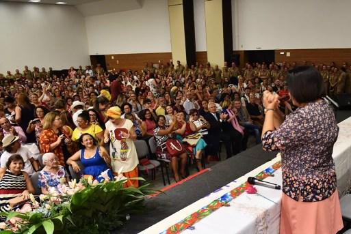 Fátima Bezerra (PT) anunciou plantão 24h na Delegacia da Mulher em solenidade na Escola de Governo — Foto: Elisa Elsie