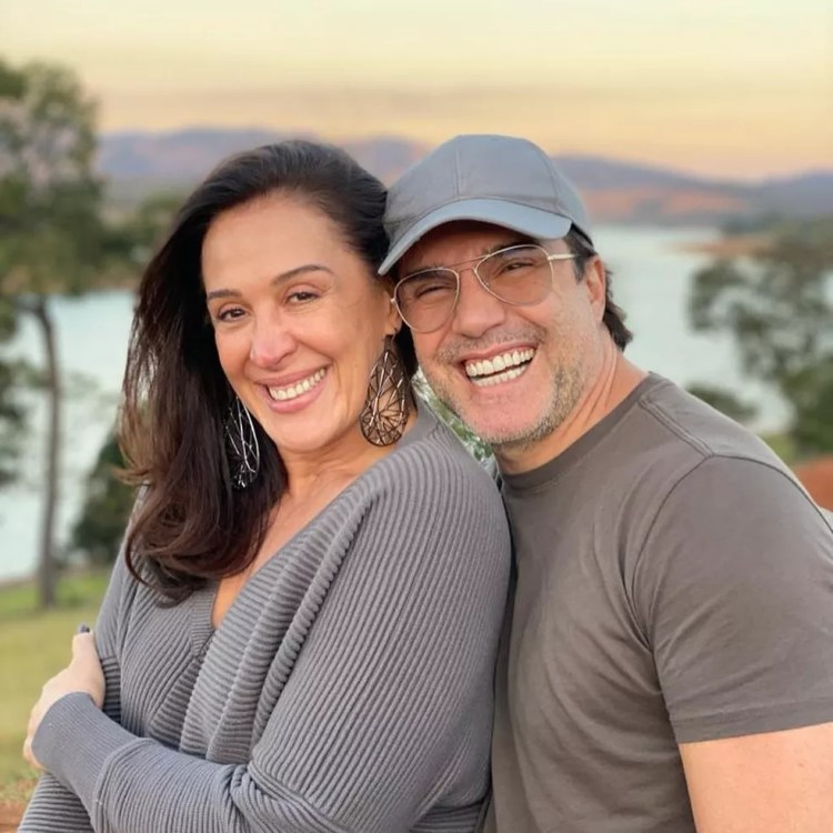 Claudia Raia fez post em homenagem aos 50 anos do marido, Jarbas Homem de Mello — Foto: Reprodução/Istagram