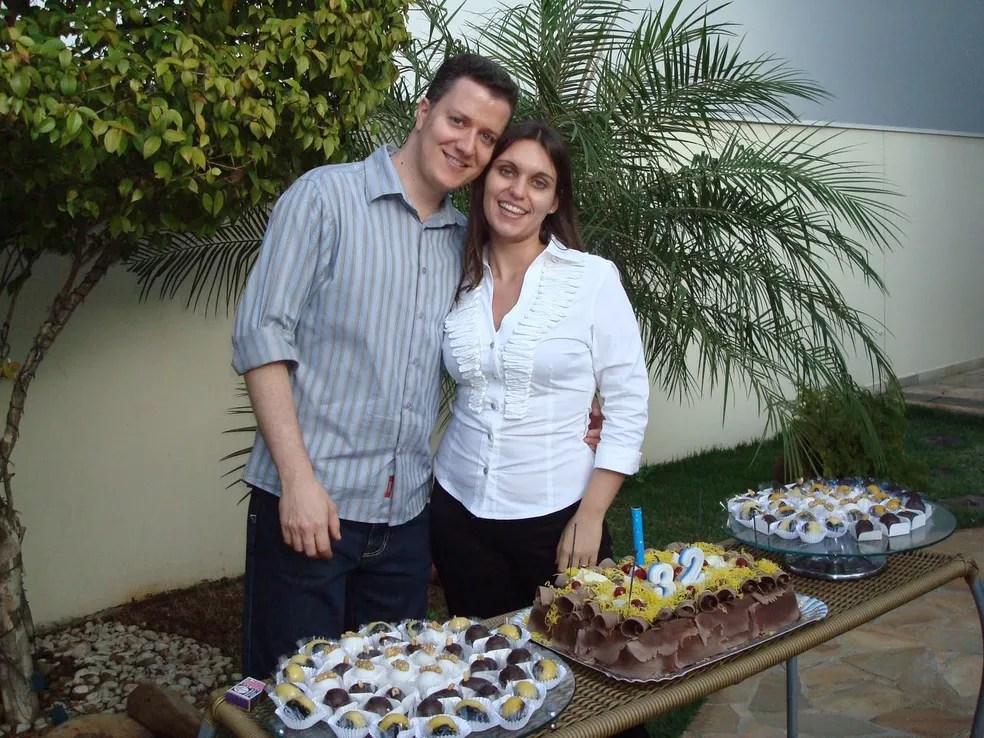 Raquel e Sérgio comemoram este ano dez ano de união (Foto: Sérgio José Dias Pacheco/Arquivo Pessoal)