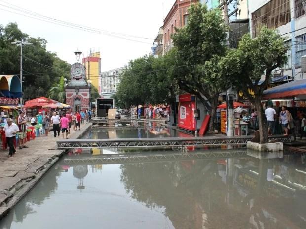 Visão geral da Avenida Eduardo Ribeiro, localizada no Centro de Manaus (Foto: Tiago Melo/G1 AM)