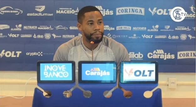 Everton Silva deve estrear na lateral direita do CSA — Foto: Reproduação CSATV