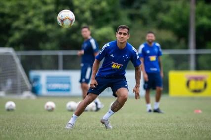 Everton Felipe durante treino do Cruzeiro — Foto: Bruno Haddad/Cruzeiro