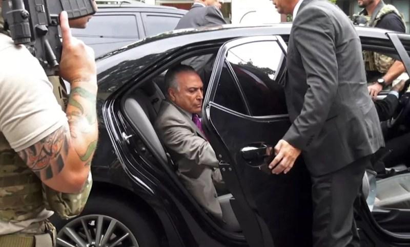 Temer foi preso em março, em São Paulo; uma semana depois, foi solto após um habeas corpus — Foto:  Mariana Mendez/Band TV via AFP