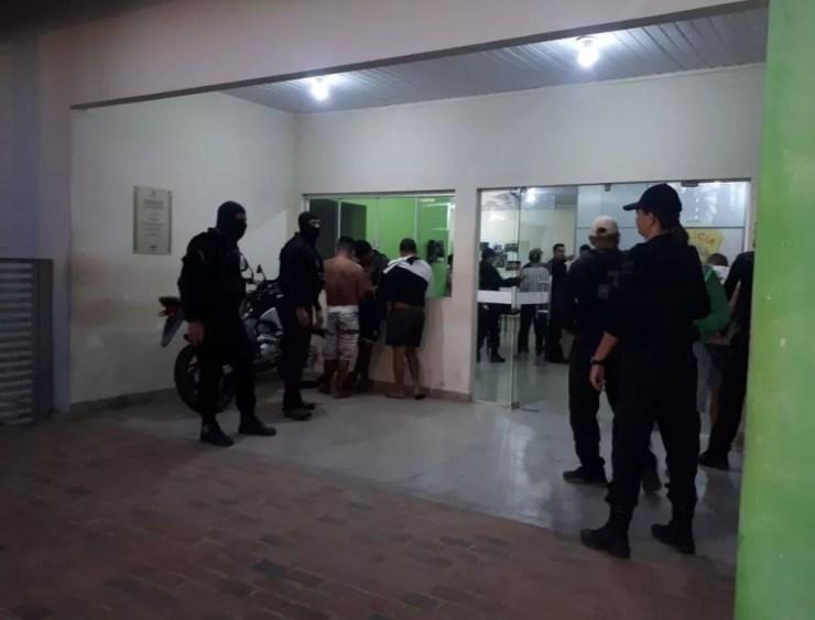 Segundo a polícia, presos têm envolvimento com o crime organizado em Cruzeiro do Sul (Foto: Adelcimar Carvalho/G1 )