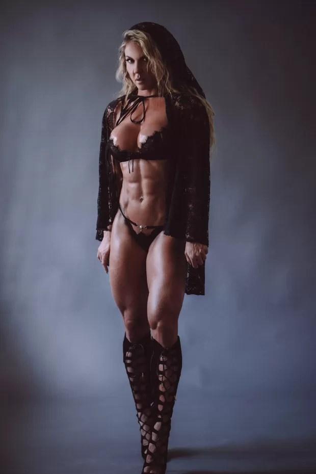 Elaine Ranzatto, destaque na Caprichosos de Pilares e musa na Rocinha (Foto: Foto: Mike Ohrangutang / MF Models Assessoria)
