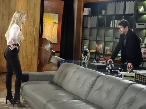 Megan discute com Jonas por causa de Davi  (Foto: Geração Brasil / TV Globo)