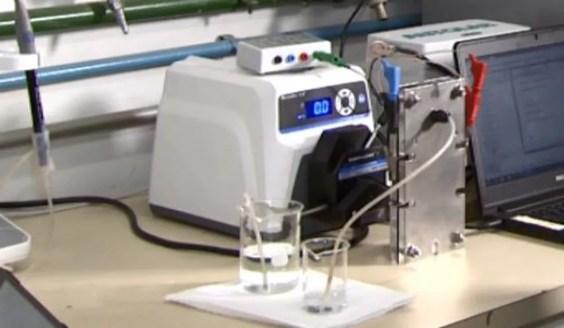 Sistema desenvolvido pela UFSCar consegue tirar o sal de água (Foto: Reprodução EPTV)