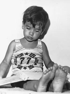 O brasiliense Cristian Santos aos 3 anos; ex-vendedor de cocadas fez cinco graduações (Foto: Cristian Santos/Arquivo Pessoal)