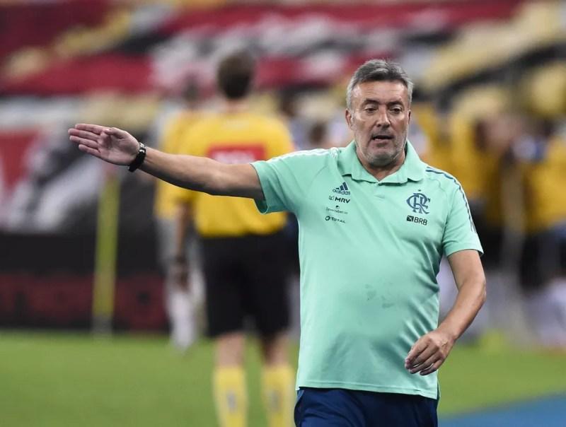 Equipe apresenta algumas características interessantes, mas ainda é pouco agressiva contra o Grêmio — Foto: André Durão