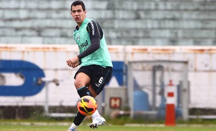Saimon voltou a treinar com o grupo de jogadores do Grêmio (Foto: Lucas Uebel/Grêmio FBPA)
