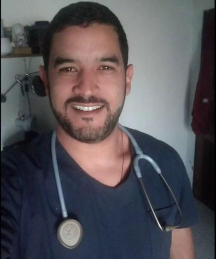Anderson Araújo é de Caruaru e estudava medicina no Paraguai, onde foi encontrado morto — Foto: Arquivo Pessoal