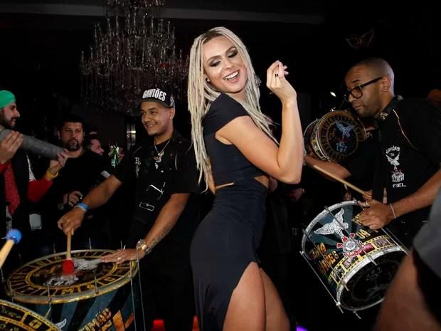 Fernanda Lacerda, a Mendigata, em festa em São Paulo (Foto: Celso Tavares/ EGO)