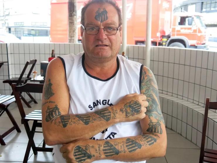 Alberto Francisco de Oliveira Júnior Alemão Fanático Santos Tatuagens — Foto: Bruno Gutierrez