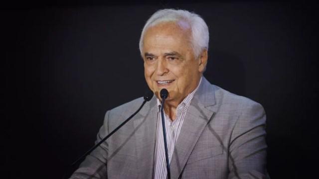 Carlos Augusto de Barros e Silva, o Leco, de 79 anos, tenta se reeleger no São Paulo (Foto: Divulgação)
