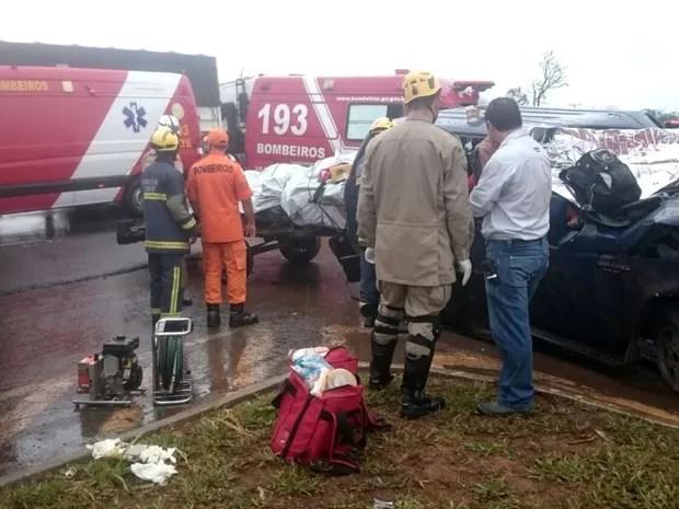 Acidente BR-020, Formosa, Goiás (Foto: Divulgação/ PM)