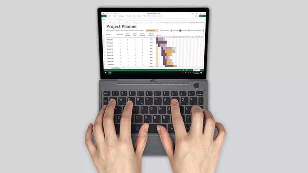 Computador portátil pesa apenas 650 gramas — Foto: Divulgação/Indiegogo