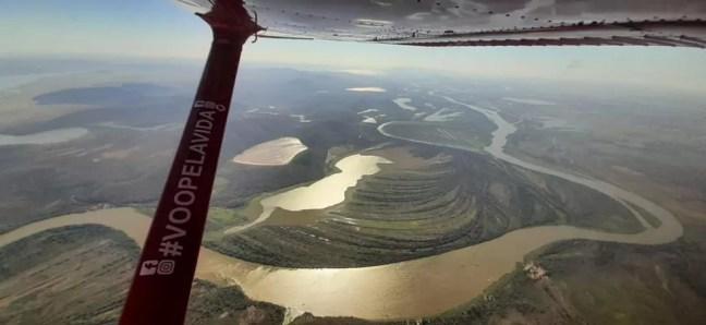 Bombeiros usaram helicóptero para ir até fazenda por conta da dificuldade de acesso — Foto: Corpo de Bombeiros/Divulgação