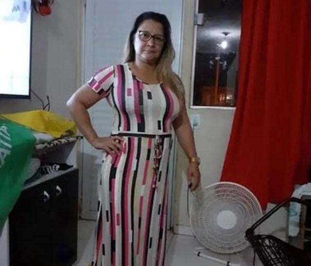 A empregada doméstica Ana Lúcia Dias Moraes, de 46 anos, conseguiu se recuperar da doença — Foto: Arquivo pessoal