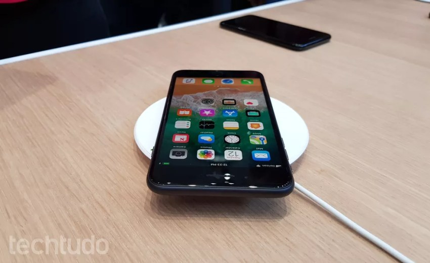 48a632628 iPhone 8 e iPhone 8 Plus podem ser usados com carregador sem fio (Foto