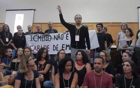 """Servidores do ICMBio e outros ambientalistas protestam contra o que dizem ser um """"loteamento político"""" dos órgãos ambientais (Foto: Divulgação)"""