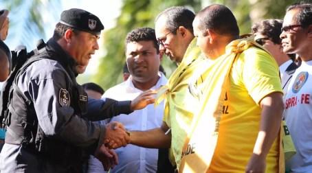 Presidente e vice da ACS-PE (de amarelo) chegaram a ser persos no fim do ano (Foto: Marlon Costa/Pernambuco Press)