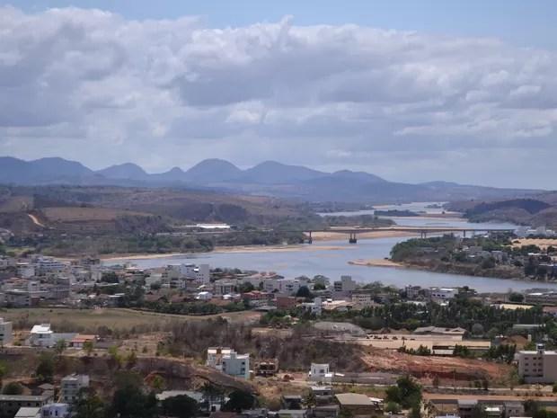 Vista para o Rio Doce antes da chegada da lama (Foto: Vando Fagundes/ TV Gazeta)