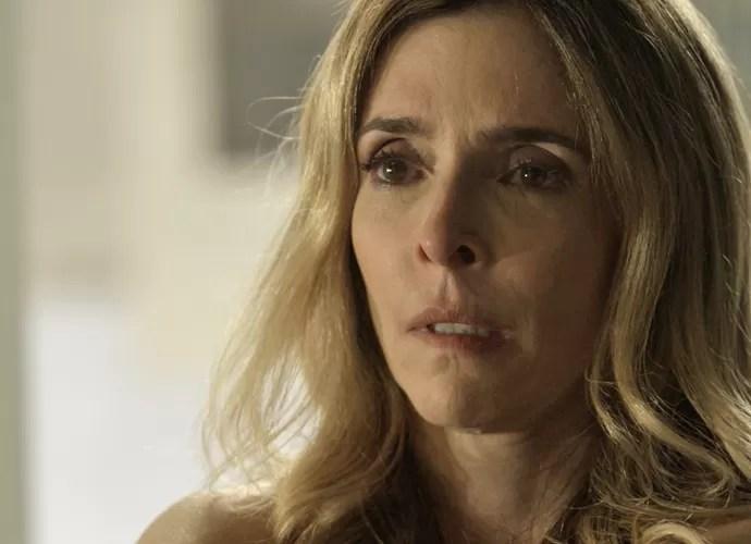 Kiki escuta proposta de Romero (Foto: TV Globo)