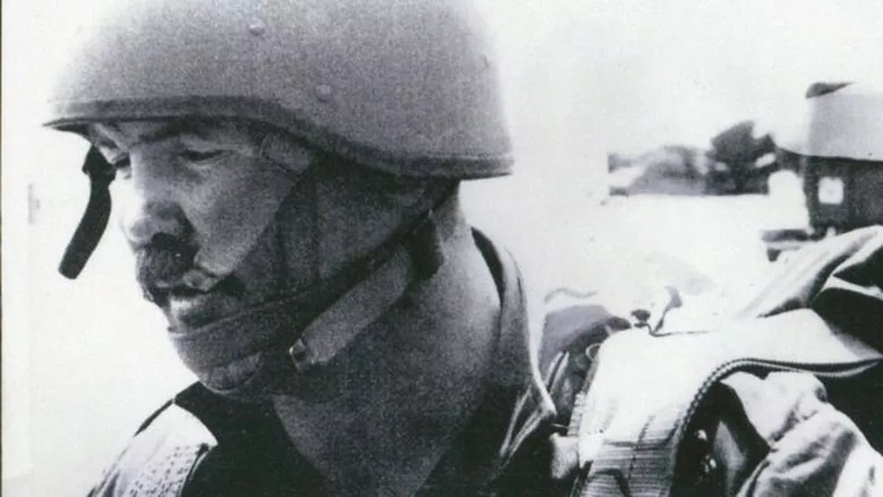 McAleese participando de conflito na África do Sul em 1980 — Foto: Divulgação/Two Rivers Media/Via BBC