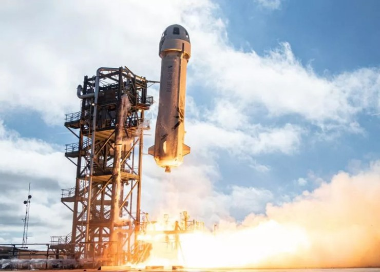 New Shepard opera em uma zona desértica do Texas — Foto: Blue Origin via BBC