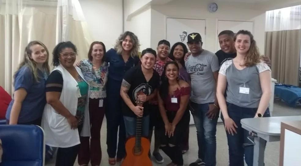 Roda de samba mobilizou funcionários do Hospital das Clínicas — Foto: Divulgação