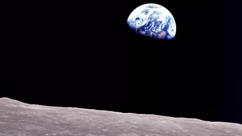 'O nascer da Terra' foi a primeira foto em cores da Terra feita por um humano, um legado da Apollo 8 — Foto: NASA