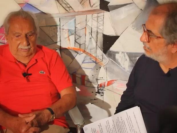 Geneton Moraes Neto entrevista Carlos Heitor Cony para o 'Dossiê GloboNews' (Foto: Globo / Divulgação)