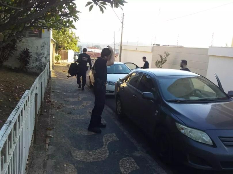 Operação Callichirus cumpre mandado de busca em Santa Bárbara D'Oeste, SP — Foto: João Carlos Borda/EPTV