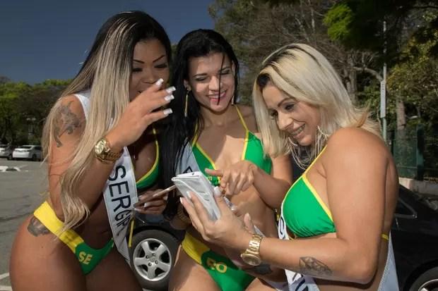 Concorrentes ao concurso Miss Bumbum 2015 se reúnem no parque do Ibiraquera (Foto: Marcelo Brammer / Studio Brammer)