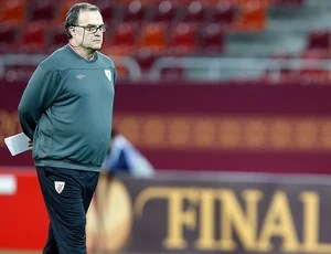 Marcelo Bielsa no treino do Atlhetic Bilbao (Foto: Reuters)