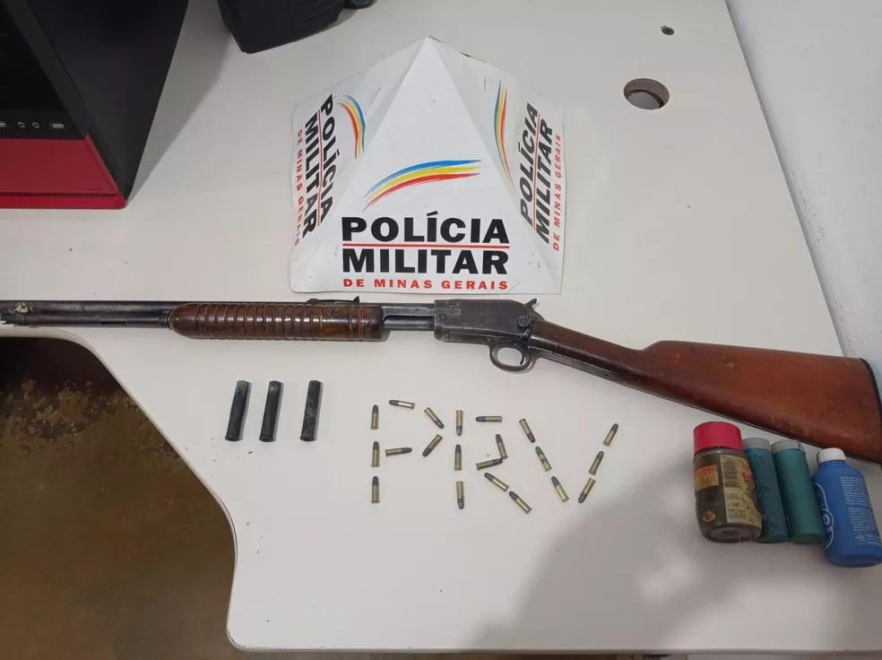 Materiais apreendidos pela Polícia Militar Rodoviária durante a ocorrência — Foto: Polícia Militar Rodoviária