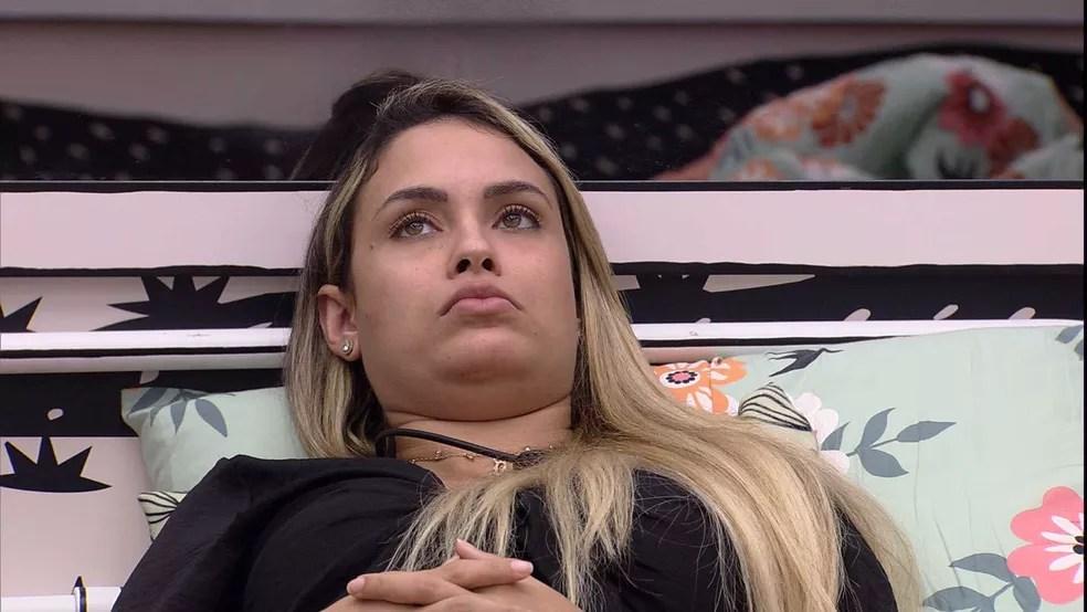 Sarah conversa com brothers no Quarto Cordel do BBB21 — Foto: Globo