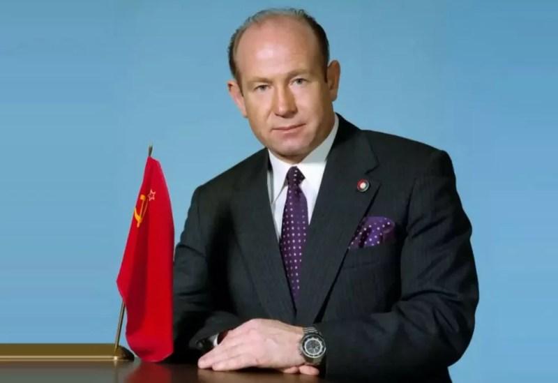 Alexei Leonov, cosmonauta russo, morreu aos 85 anos nesta sexta-feira (11). — Foto: Reprodução/Twitter/@nasa