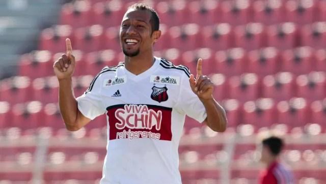Rafael Martins, atacante do Ituano, celebra gol contra o São Paulo pela Copa Paulista (Foto: Miguel Schincariol/ Ituano FC)