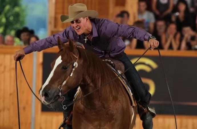 Michael Schumacher é apaixonado por cavalos. Ele participa de eventos e tem um estábulo em casa (Foto: Divulgação)
