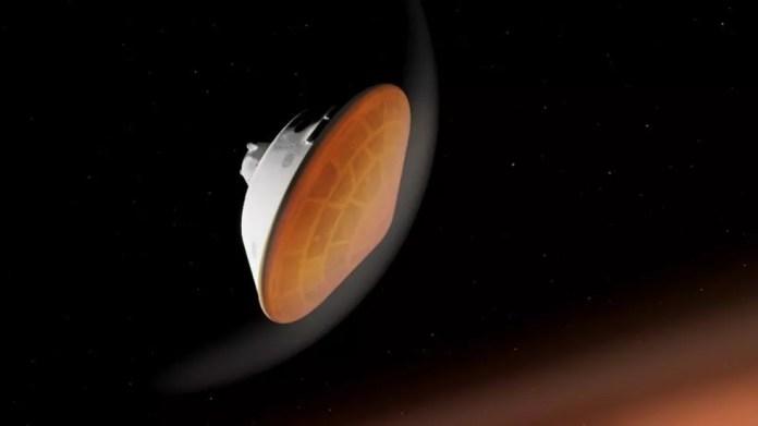 A temperatura na superfície externa do escudo térmico pode chegar a cerca de 1.300°C — Foto: Nasa
