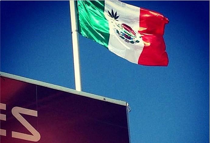 INSTAGRAM - bandeira do mexico com folha de maconha (Foto: Reprodução / Instagram)