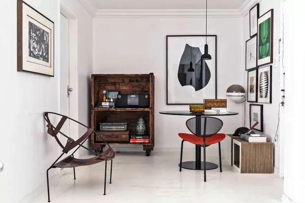 O clássico preto branco no apartamento de Paulo Azeco (Foto: Edu Castello/Editora Globo)