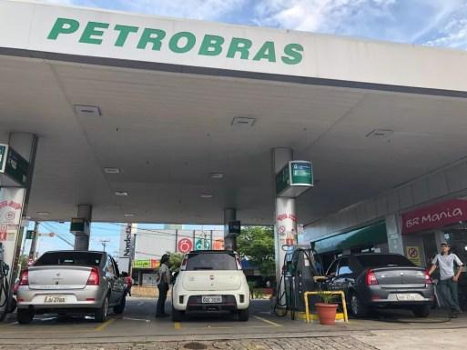 Motociclistas deverão tirar o capacete ao chegar em postos de combustíveis de Natal (Arquivo) — Foto: Ranniery Souza/Inter TV Cabugi