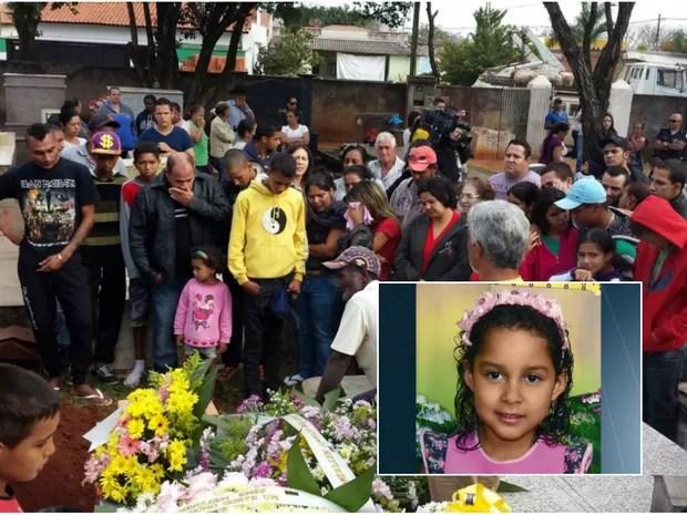 Familiares e amigos se despediram de Ana Gabrielle em Conchal (Foto: Claudia Mourão/EPTV)