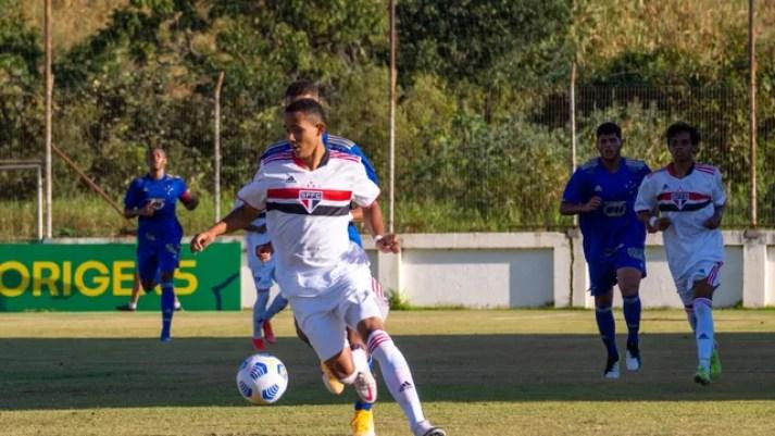 São Paulo e Cruzeiro empataram por 1 a 1 na estreia pelo Brasileirão Sub-17