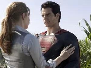 Lois Lane (Amy Adams) e Superman (Henry Cavill) em cena de 'O homem de aço'