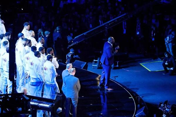 Discurso de Magic Johnson e canto emocionado de Jennifer Hudson: Kobe é homenageado no All-Star