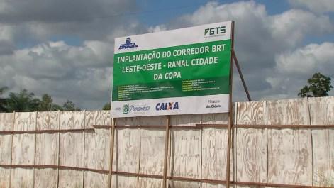 Corredor Leste/Oeste é uma das obras do governo de Pernambuco que ultrapassou o prazo de conclusão e ainda não foi finalizada  (Foto: Reprodução/TV Globo)