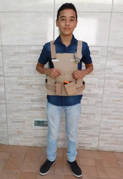 Sonho de adolescente de 13 anos é ser policial (Foto: Hayale Guimarães/G1)